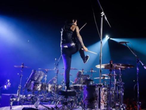 La impresionante batería que estrenó Maná en su gira 'Rayando el sol'