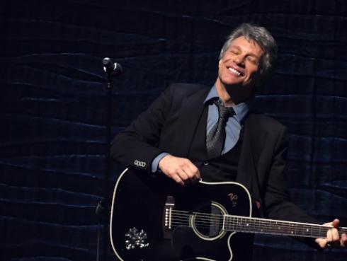 Recuerda cuando Jon Bon Jovi se disfrazó para sorprender a sus fans