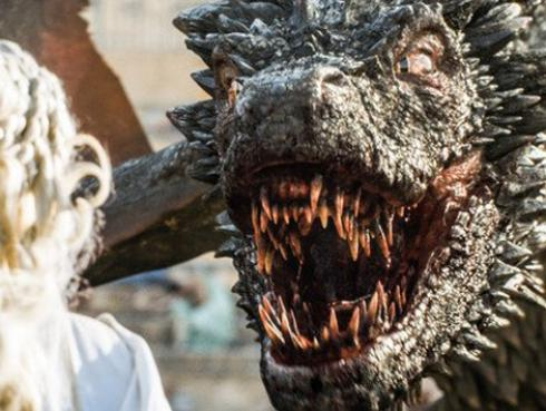 La temporada 7 de 'Game of Thrones' tendría una épica batalla de dragones, según estas fotos del set