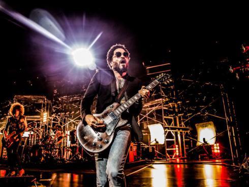 ¡Lenny Kravitz se irá de gira con Guns N' Roses!