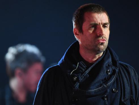 Liam Gallagher pide a sus fans que donen su ropa y a cambio podrán conocerlo