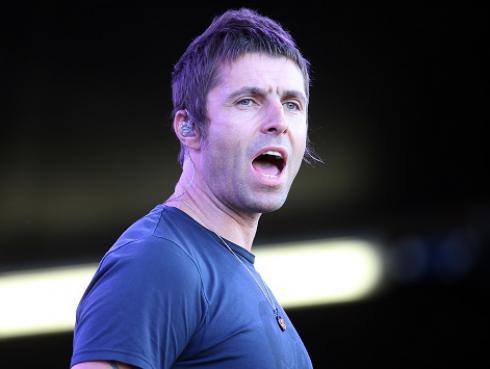 Liam Gallagher proyectó partido de Inglaterra en concierto