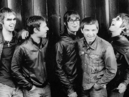 Liam Gallagher quiso reunir a Oasis sin su hermano Noel