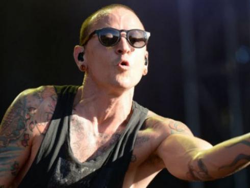 ¡Chester Bennington se suicidó! Fans de Linkin Park están de luto