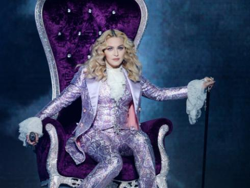 Madonna rinde tributo a Queen [VIDEO]