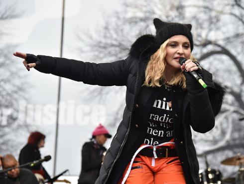 Madonna defiende su disco en pro de las mujeres: 'no promuevo la violencia'