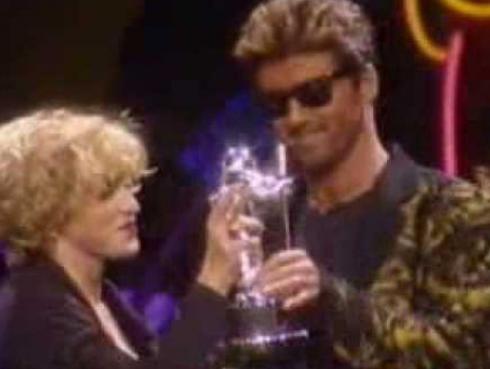 Madonna recordó beso con George Michael en emotivo mensaje [VIDEO]