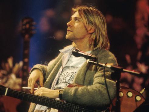 Mánager de Nirvana publica libro para desmentir teorías de asesinato de Kurt Cobain