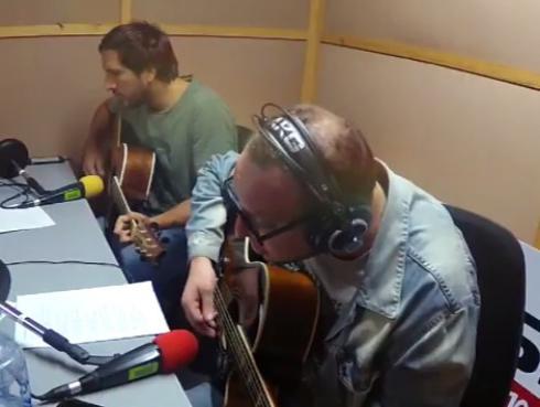 #Fogatera: El Marshall y Piccini interpretaron 'Alguien que bese como tú', de Pedro Suárez-Vértiz