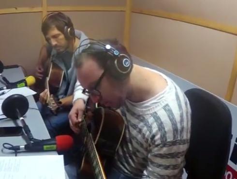 #Fogatera: El Marshall y Piccini interpretaron 'Penélope', de Robi Draco