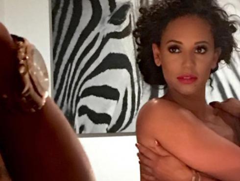 Ex Spice Girl se desnuda y envía potente mensaje a fans [FOTO]