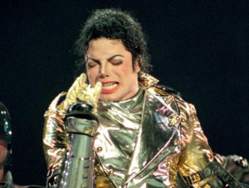 Hija de Michael Jackson conmemoró aniversario de la muerte de su padre con un tatuaje