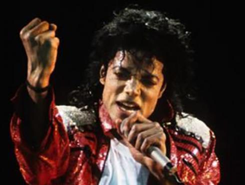 Michael Jackson es el cantante que más ingreso genera estando muerto