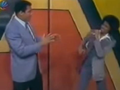 La inolvidable 'pelea' entre Michael Jackson y Muhammad Ali [VIDEO]