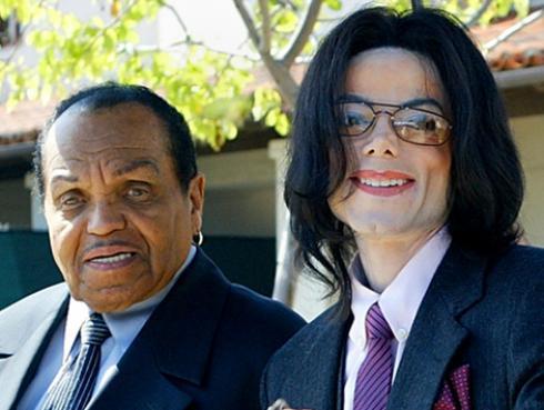 Michael Jackson y su padre estarán en el mismo cementerio