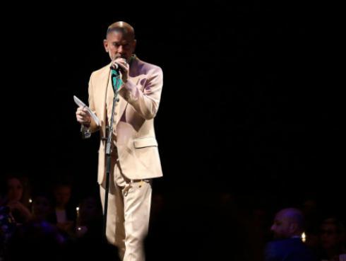 Michael Stipe alista nuevo disco como solista con 18 canciones