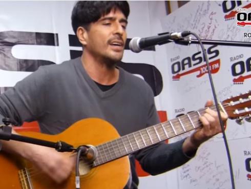 ¡Nicolás Duarte interpretó 'Mal Paso' en Sesiones Patrias en el Oasis! [VIDEO]