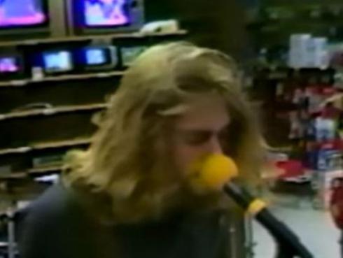 Checa el video inédito de Nirvana en una tienda, en 1988