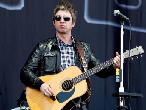 Mira a Noel Gallagher responder a las preguntas más audaces
