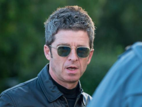 Noel Gallagher opina sobre pelea de Taylor Swift y su exmánager