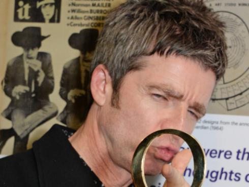 Noel Gallagher planea mudarse para proteger a sus hijos de la delincuencia