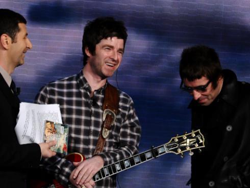 Noel Gallagher podría reunir a Oasis si Liam Gallagher deja Twitter