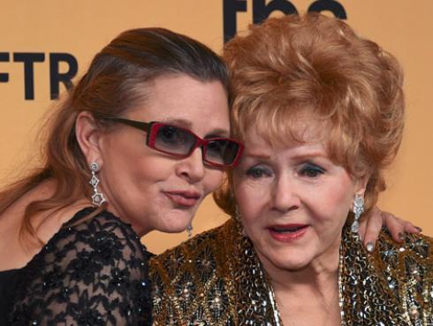 Nos solo Carrie Fisher: su madre, Debbie Reynolds, también murió