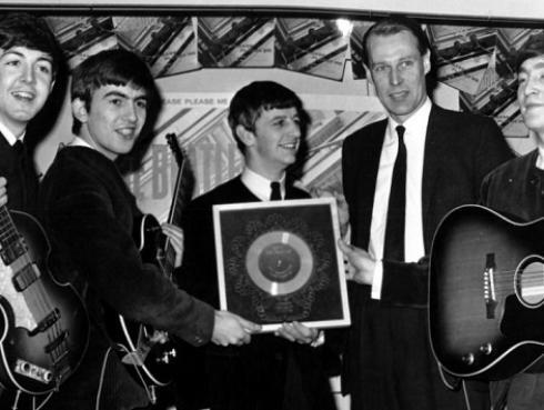 Nuevo álbum del productor de The Beatles tendrá material inédito
