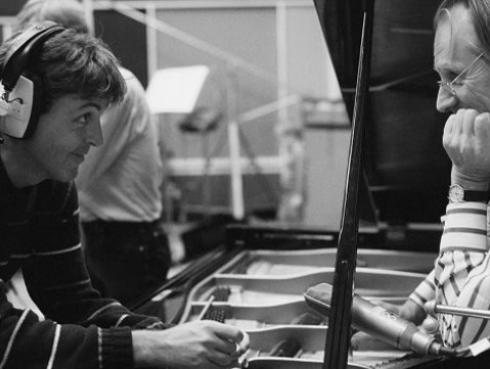 Paul McCartney se despide de George Martin recordando la 'magia' que hizo en 'Yesterday'