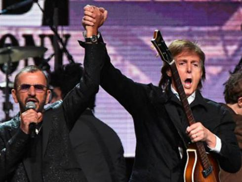 Paul McCartney colaboró con Ringo Starr en 'We're On The Road Again' [VIDEO]