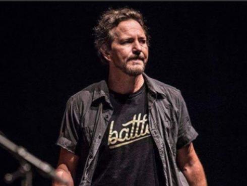 Eddie Vedder, al borde de las lágrimas, rindió tributo a Chris Cornell en concierto