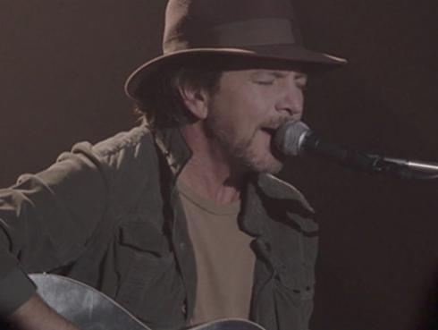 Eddie Vedder tocó 'Out of Sand' en el último capítulo de 'Twin Peaks' [VIDEO]