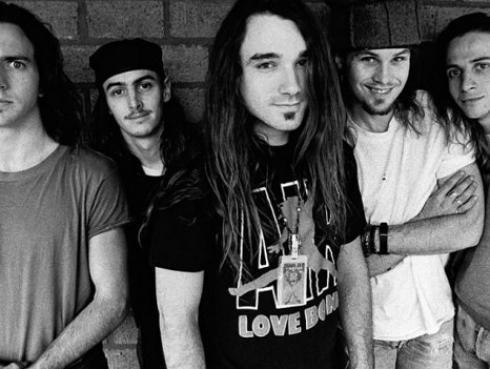 Pearl Jam invitará a sus 5 bateristas a la ceremonia del 'Salón de la fama del rock 6 roll'