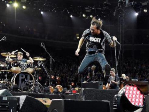 Pearl Jam pospone su gira por Estados Unidos debido al coronavirus