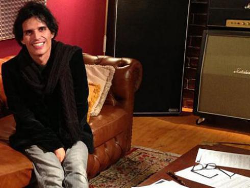 Pedro Suárez-Vértiz pide colaborar con damnificados por huaicos
