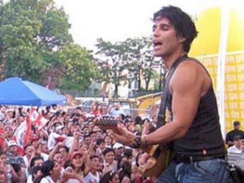 Pedro Suárez-Vértiz revela el afiche oficial de su musical 'Cuéntame'
