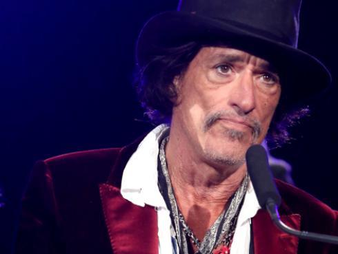 Joe Perry, de Aerosmith, asegura estar bien tras ser hospitalizado de emergencia