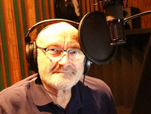 Phil Collins fue hospitalizado de emergencia tras sufrir grave caída