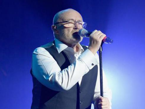 Phil Collins cantó 'Sussudio' por primera vez después de 12 años