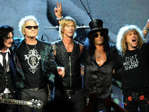 ¿Por qué Izzy Stradlin no es parte de la gira de Guns N' Roses?