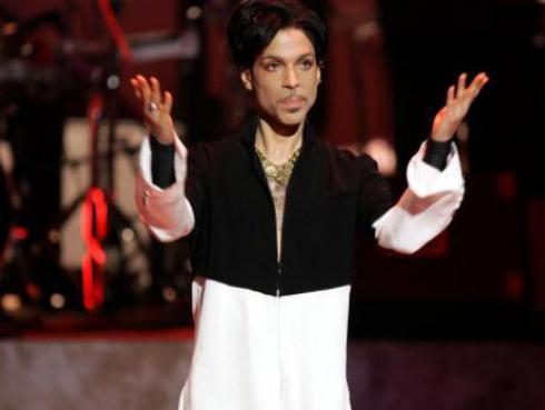 Equipo de fútbol americano rindió homenaje a Prince en su nuevo estadio [VIDEO]