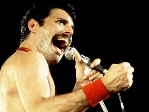 La nueva imagen de Rami Malek en la piel de Freddie Mercury te sorprenderá