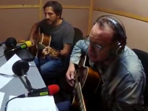#Fogatera: El Marshall y Piccini interpretaron 'Karma Police', de Radiohead