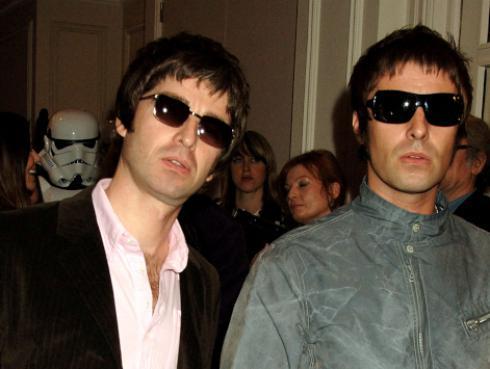 ¿Recuerdas cuando los hermanos Gallagher felicitaron a Kun Agüero?