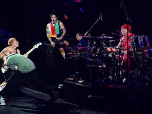 Red Hot Chili Peppers celebra los 17 años de su álbum 'By the way'