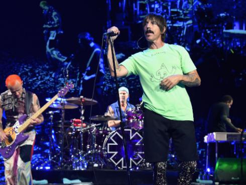 Red Hot Chili Peppers conmemoró el aniversario del tema 'Can't stop'