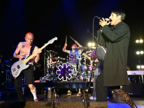 Red Hot Chili Peppers interpretó tema de Radiohead en Egipto [VIDEO]