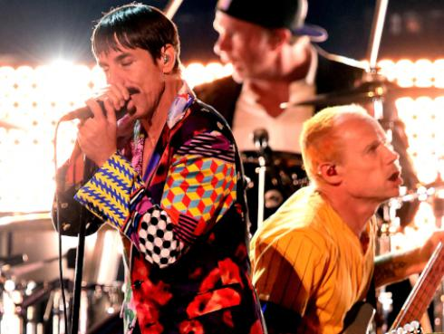 Red Hot Chili Peppers y Post Malone tocaron 'Dark necessities' en los Grammy 2019