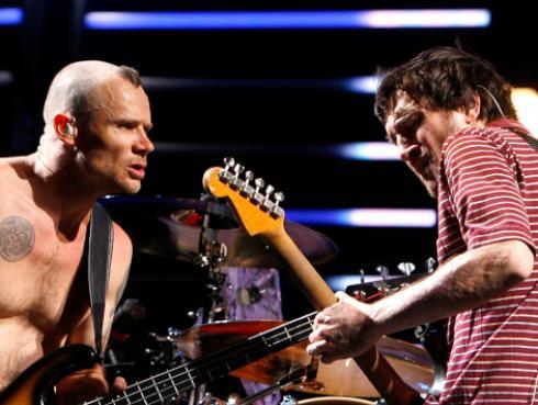 Miembros de Red Hot Chili Peppers se reúnen tras 11 años [FOTO]