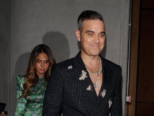 Robbie Williams gastó 100 mil euros para el cumpleaños de su suegra